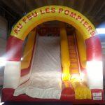 toboggan gonflable camion pompier rouge et jaune