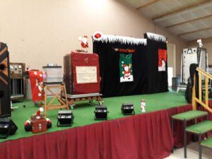 Arbre de Noel du CE de Trédi : le spectacle du magicien